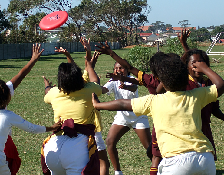 Teach Kids Ultimate Frisbee in South Africa