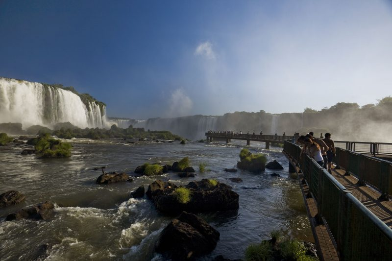 Culture and Nature Highlights of Brazil - 1569 - Iguaçu Falls - Cataratas - Edge of the Falls