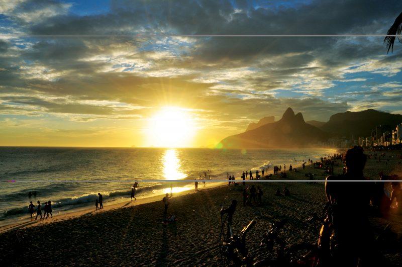 Brazilian Family Experience -1569 - Rio de Janeiro - Arpoador Beach Sunset - [Photo Alexandre Macieira]