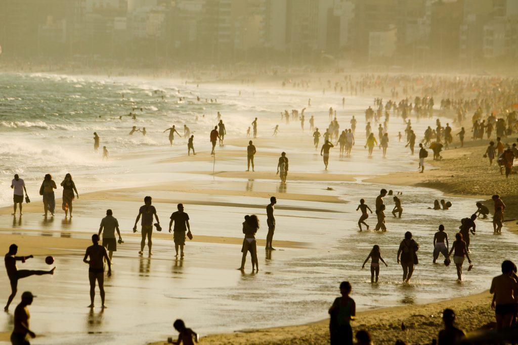 Brazilian Family Experience -1569 - Rio de Janeiro - Ipanema Beach - People enjoying the beach - Photo Pedro Kirilos Riotur
