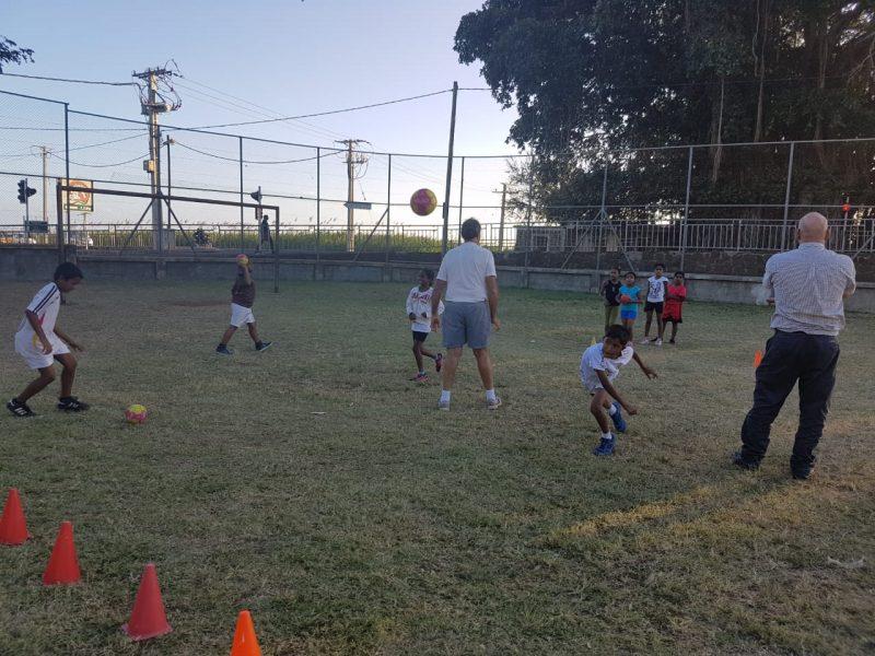 Coach handball in Mauritius