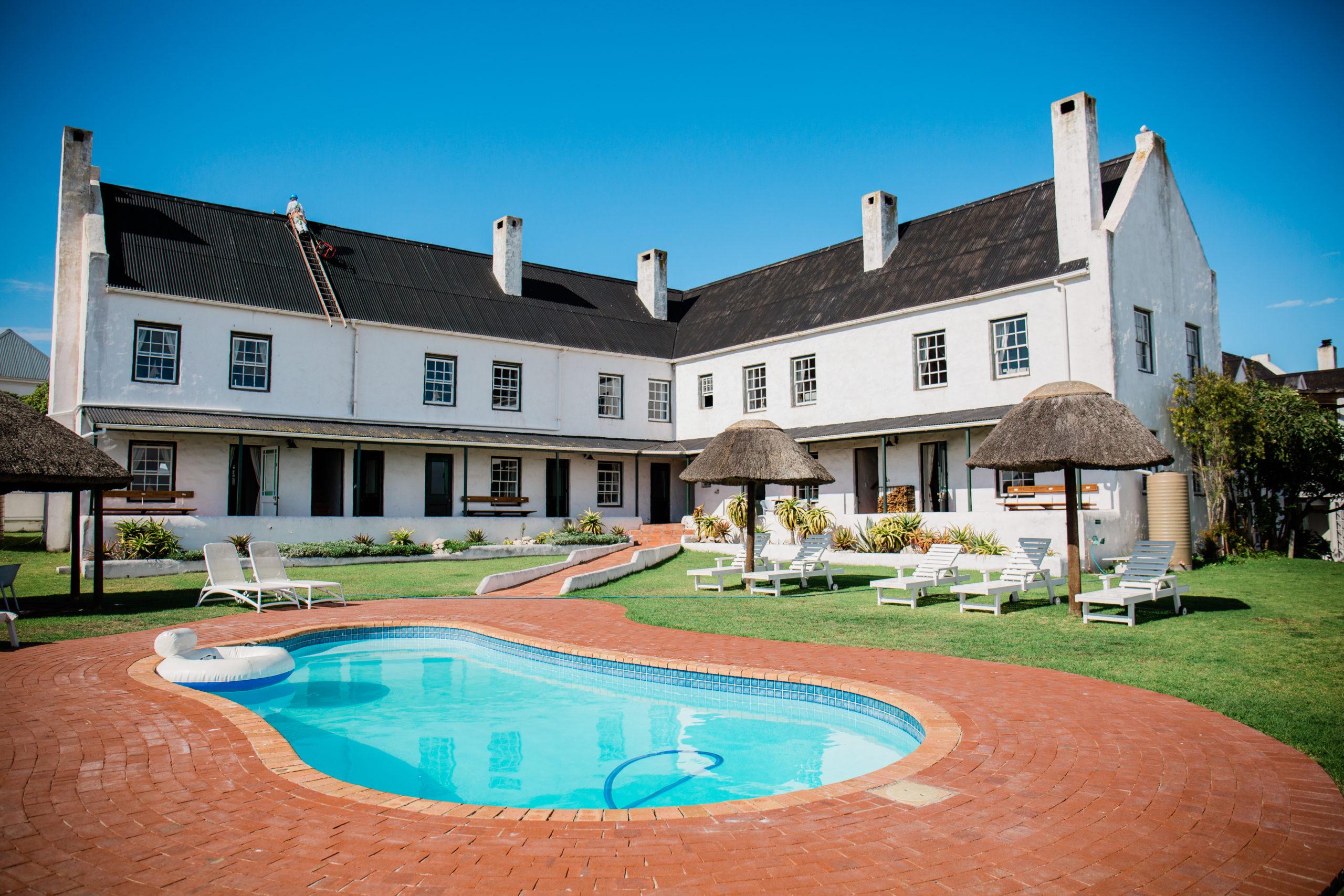 Farmhouse Hotel-Pool