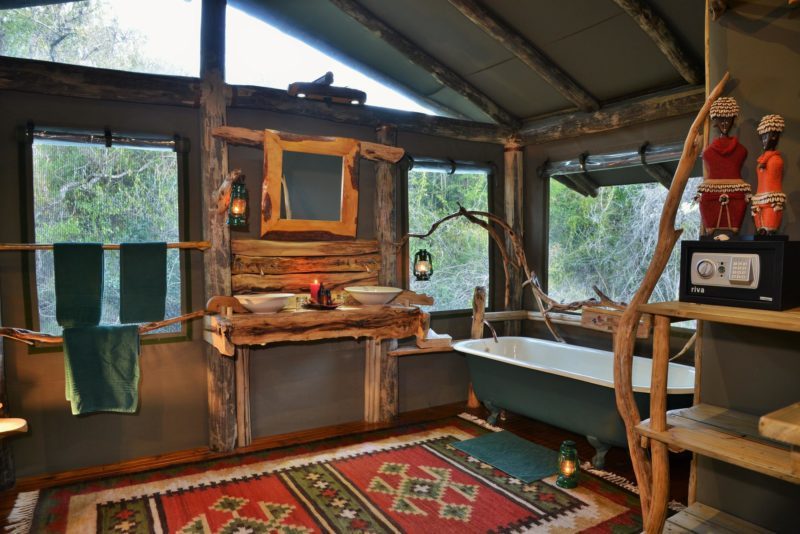 South Africa - Eastern Private Game Reserves - Sibuya Forest Camp - Tent bathroom ensuite