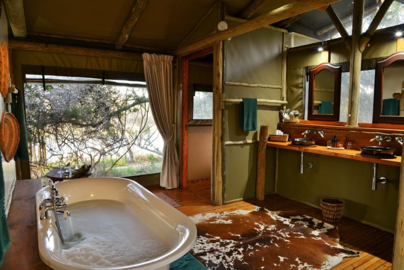 South Africa - Eastern Private Game Reserves - Sibuya River Camp - Bathroom ensuite