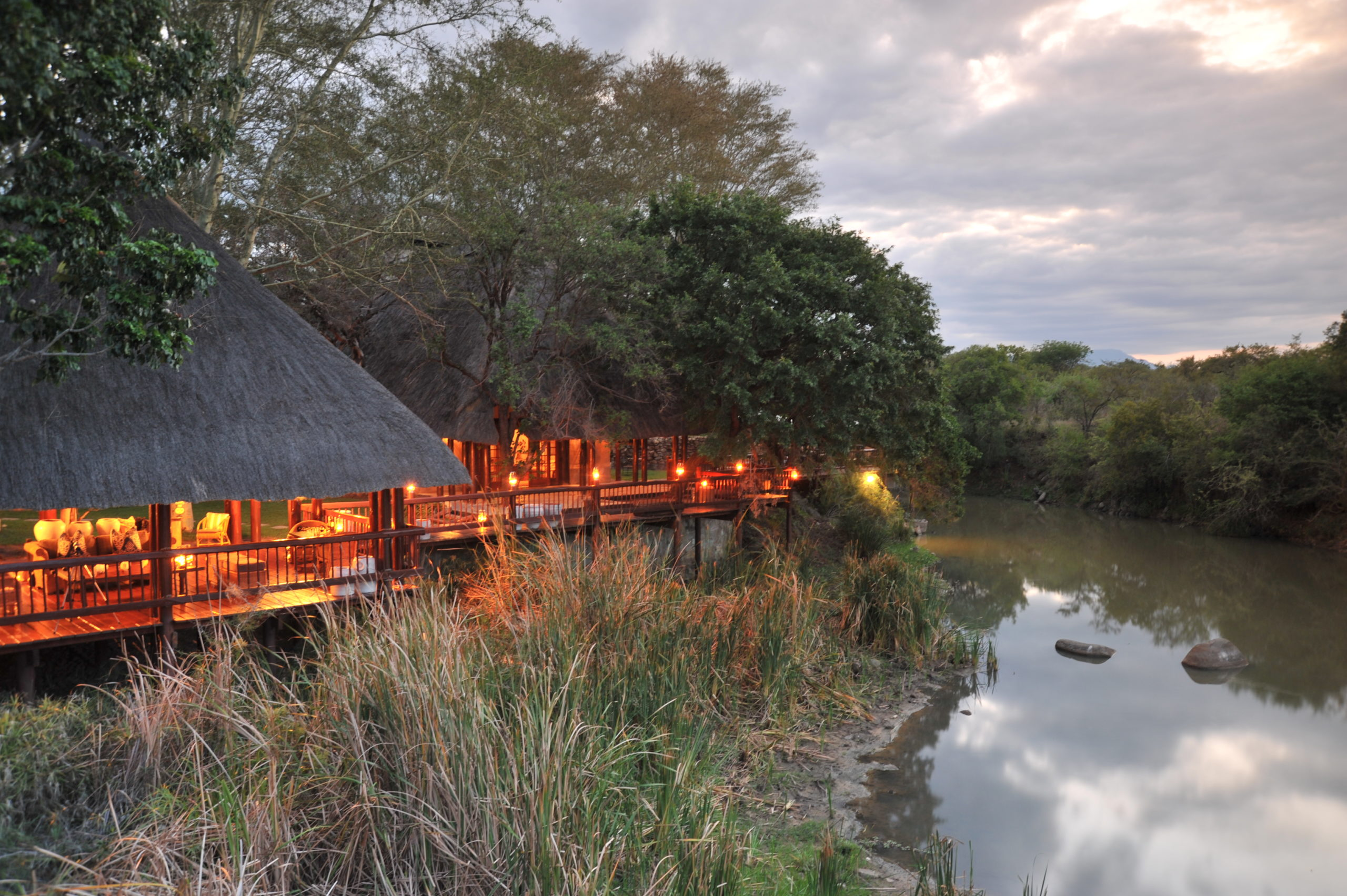 Thornybush Waterside Main Deck by the river