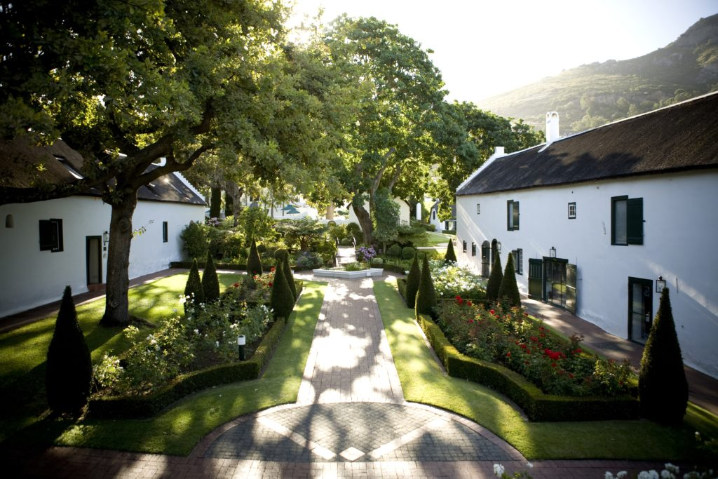 Grande Roche-Courtyard