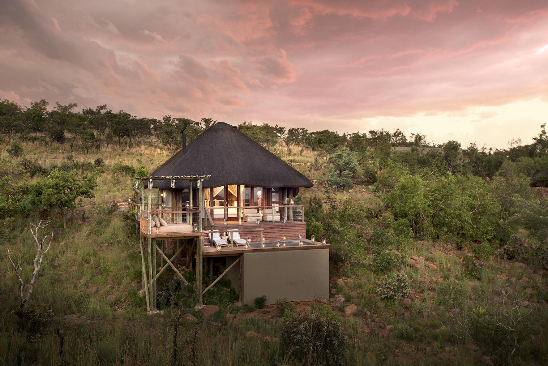 Mhondoro Safari Lodge and Villa - Honeymoon suite