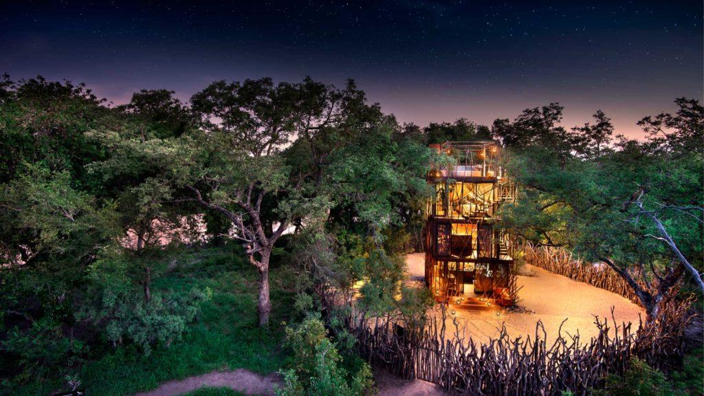 South Africa - Kruger - 4948 - Beyond Ngala Safari Lodge - Treehouse at Night