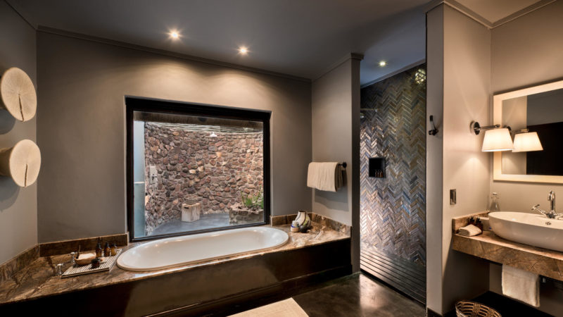 South Africa - andBeyond Phinda Private Game Reserve - Mountain Lodge - Mountain cottage bathroom