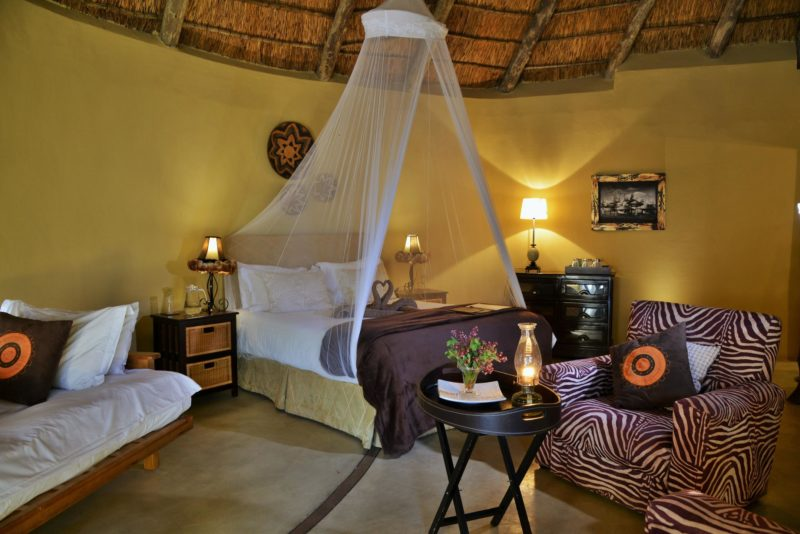 South Africa - Eastern Private Game Reserves - Sibuya Bush Lodge - Suite interior