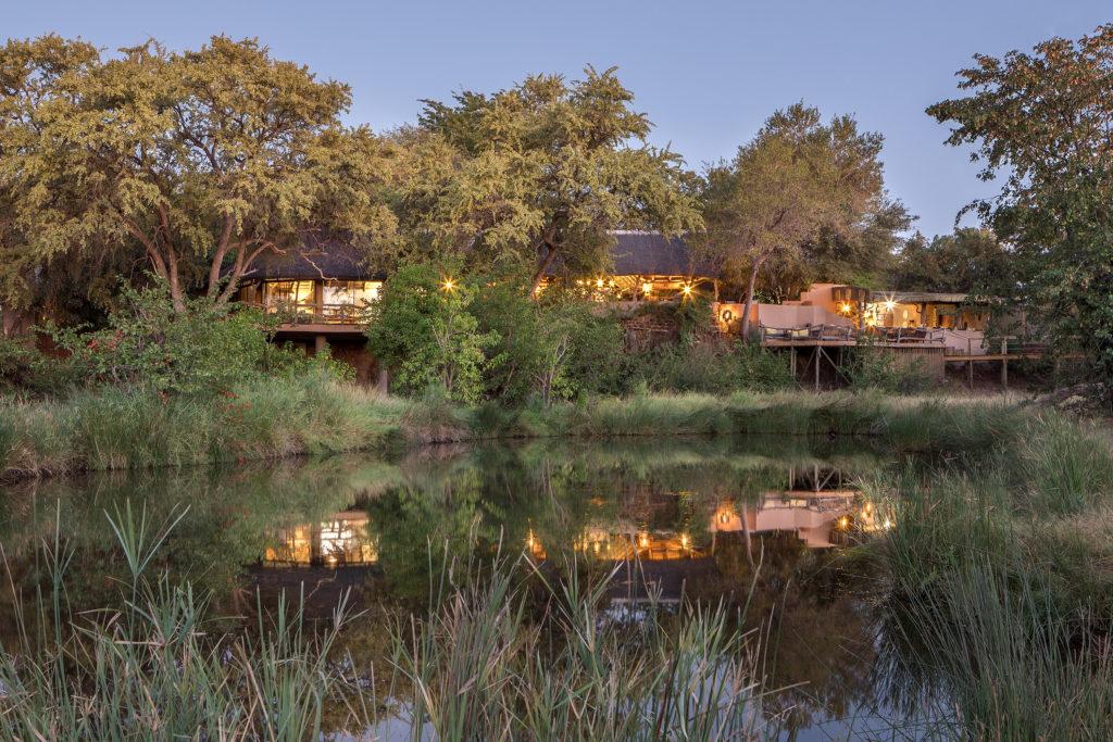Botswana - Mashatu Game Reserve - 1553 - Mashatu Lodge view over the water