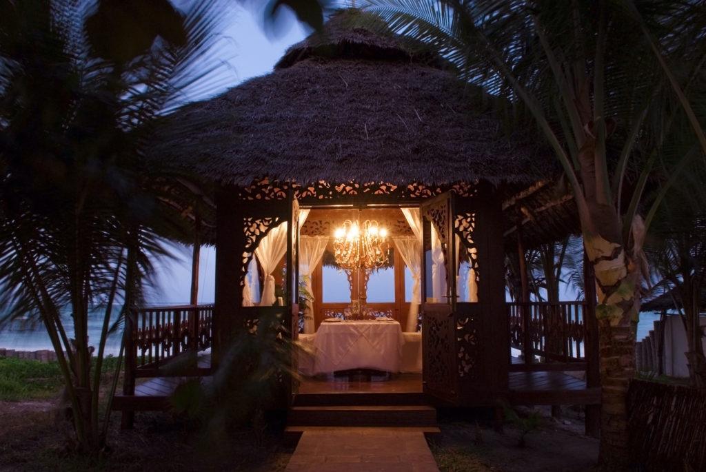 Tanzania - Zanzibar - 1568 - Pagoda at Night