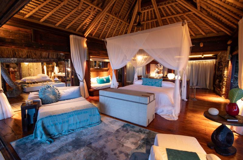 Seychelles - North Island - 1554 - North Island Resort - Presidential Villa - Four poster bed and bathroom