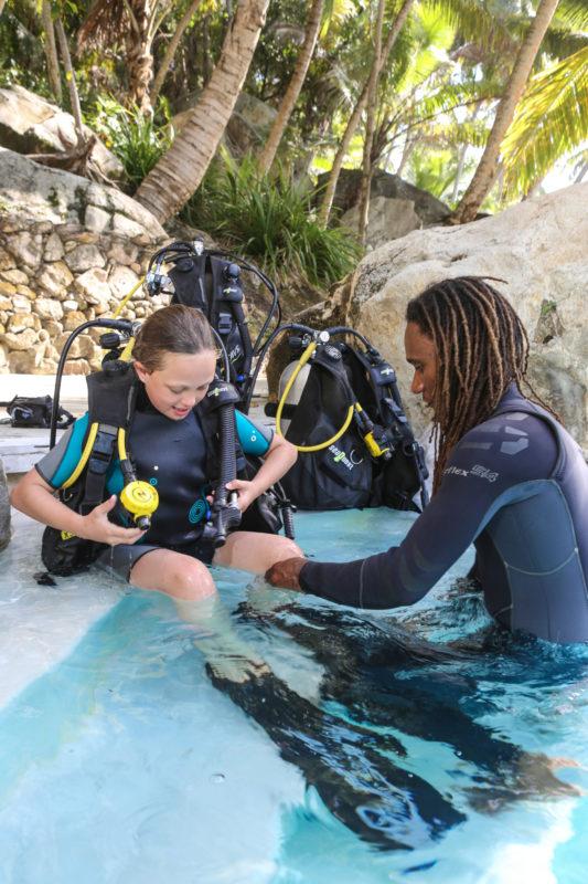 Seychelles - North Island - 1554 - North Island Resort - Scuba Diving - Training in the pool