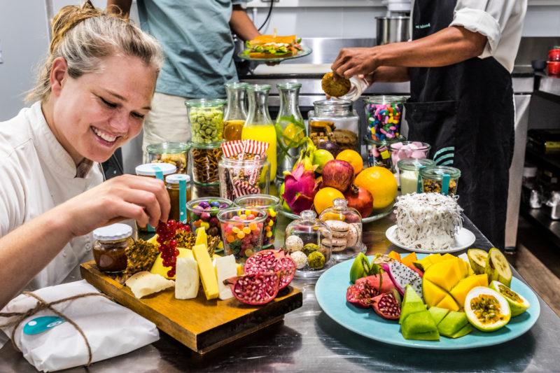 Seychelles - North Island - 1554 - North Island Resort - Snack Bar - Preparation By North Island Staff