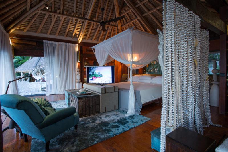 Seychelles - North Island - 1554 - North Island Resort- Villa North Island - Bedroom entertainment and seating