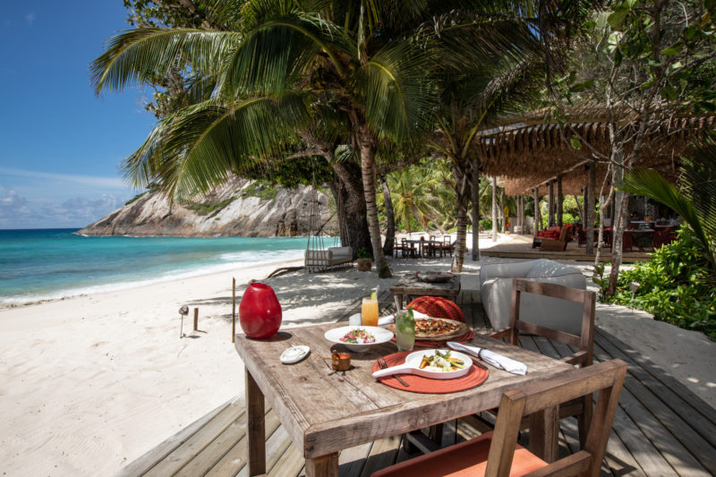 Seychelles - North Island - 1554 - North Island Resort - Breakfast at the beach on the decking