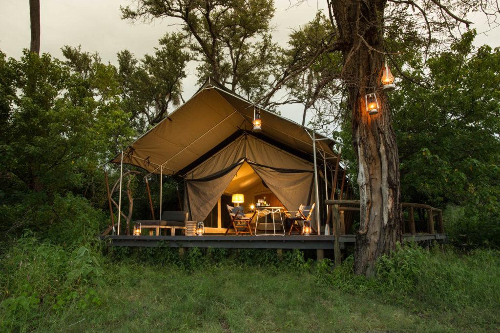 Botswana - Okavango Delta - 1553 - Gomoti Plains Camp Outside area