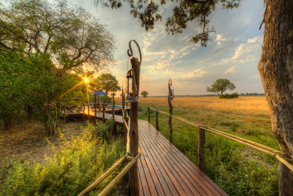 Botswana - Moremi Game Reserve - 1553 - Kadizora Camp walkway
