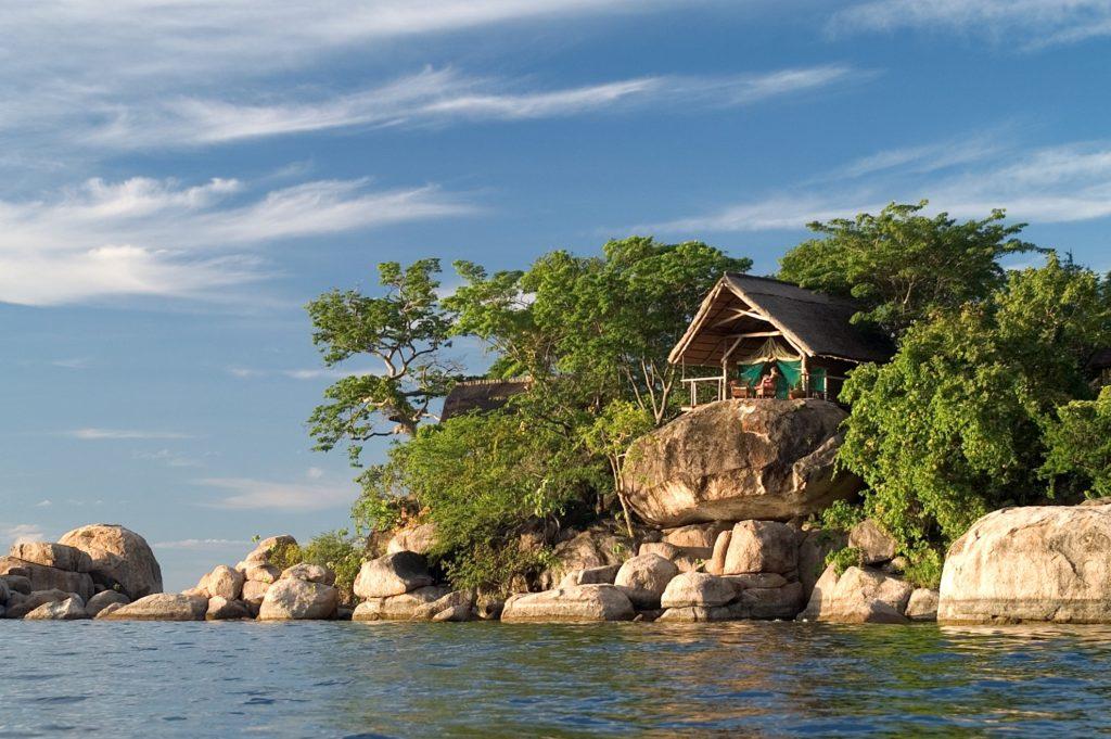 Mumbo Island Camp on the Rock Edge