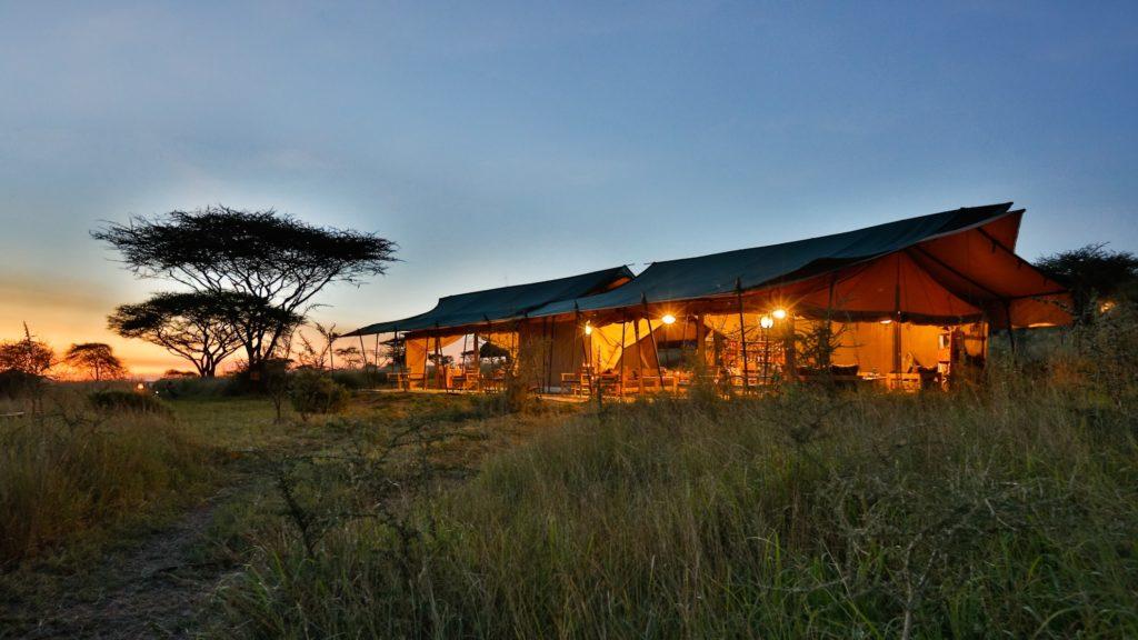 Tanzania - Seronera - 1568 - Kiota Camp Serengeti in the evening