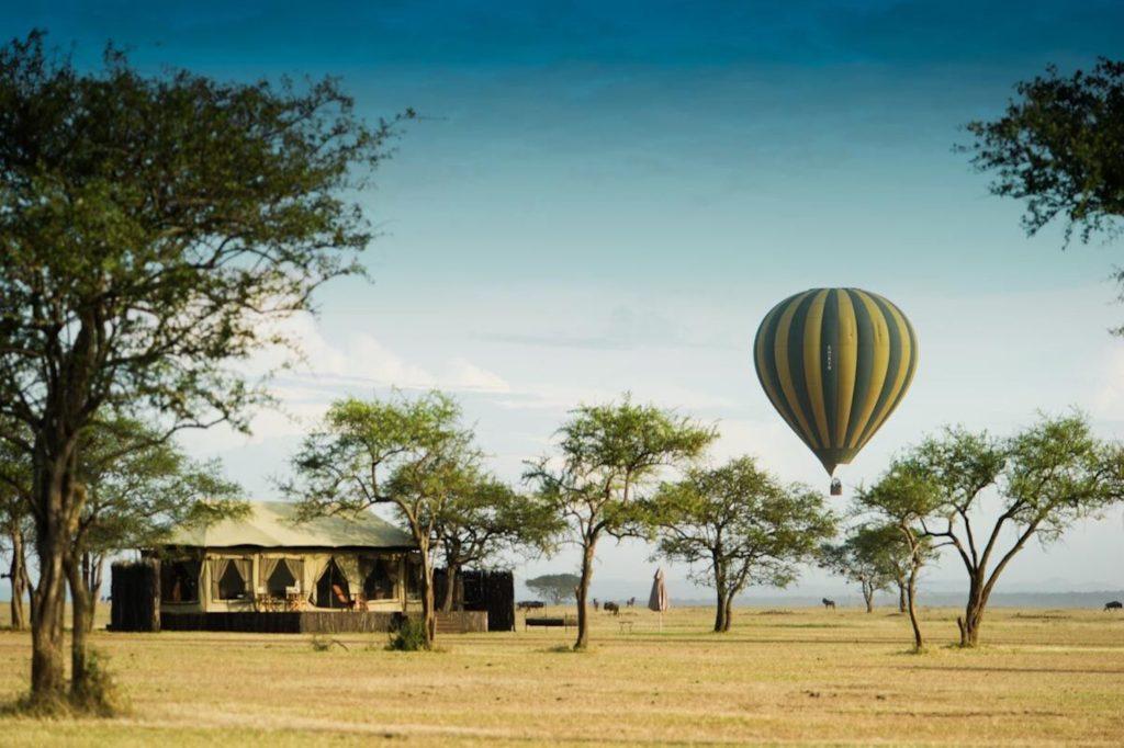 Tanzania - Singita Serengeti Grumeti - 1568 - Tent with Hot Air Balloon