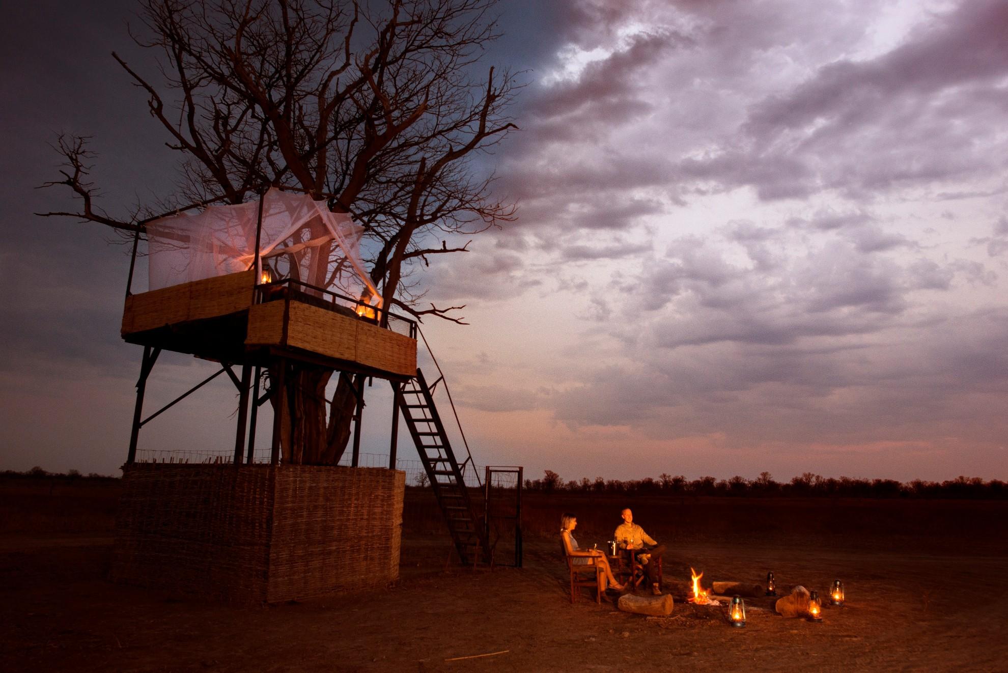 Mwamba Bush Camp South Luangwa National Park Zambia Numbu Star Bed Moonrise