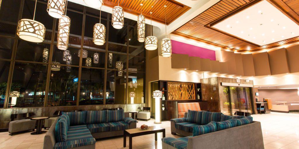 Costa Rica - San Jose- 1570 - Crown Plaza San Jose - Hotel Lounge