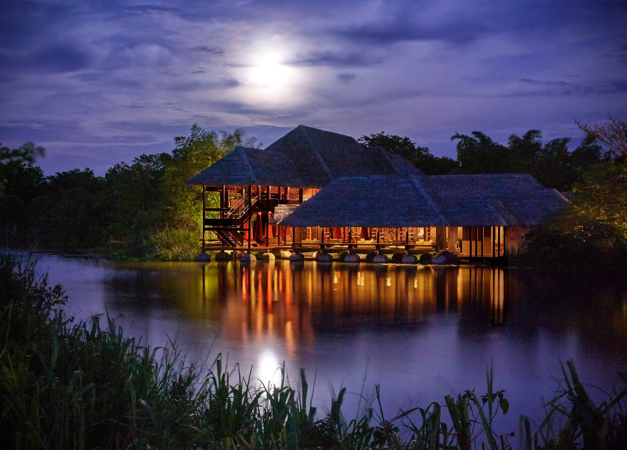 Jetwing Vil Uyana at moonlight