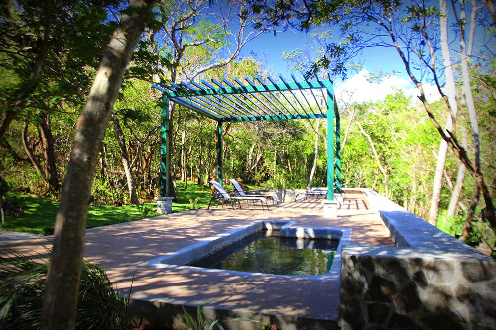 Chile - 1570 - Hotel Hacienda Guachipelin Pool