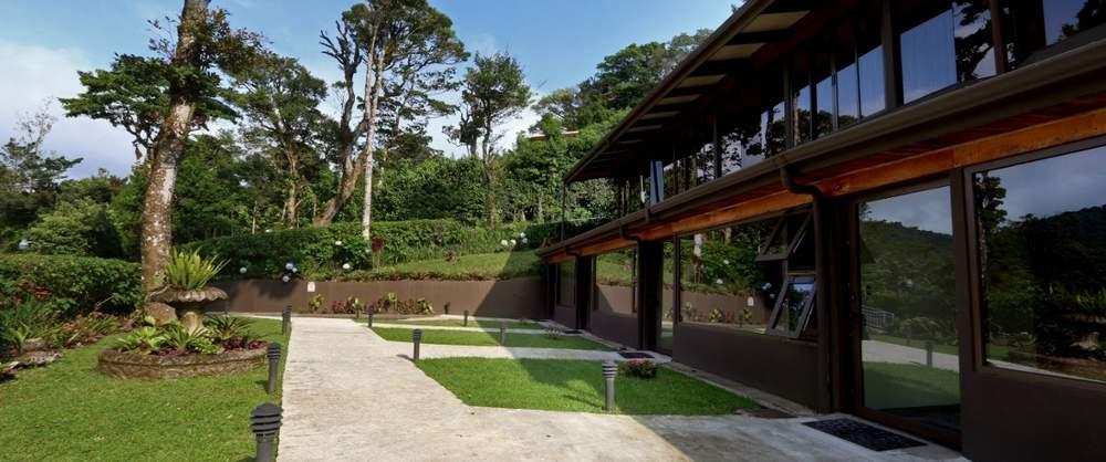 Costa Rica - Monteverde - 1570 - Trapp Family Lodge outside gardens
