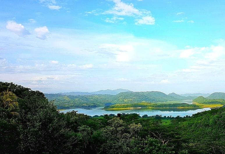 El Salvador - Suchitoto - 10024 - El Tejado Terrace Views