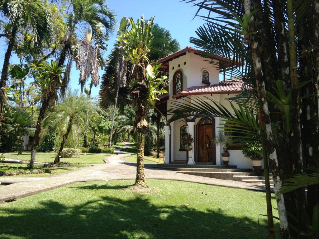 Costa Rica- Corcovado- 1570- Casa Corcovado Outside Gardens of Restaurant