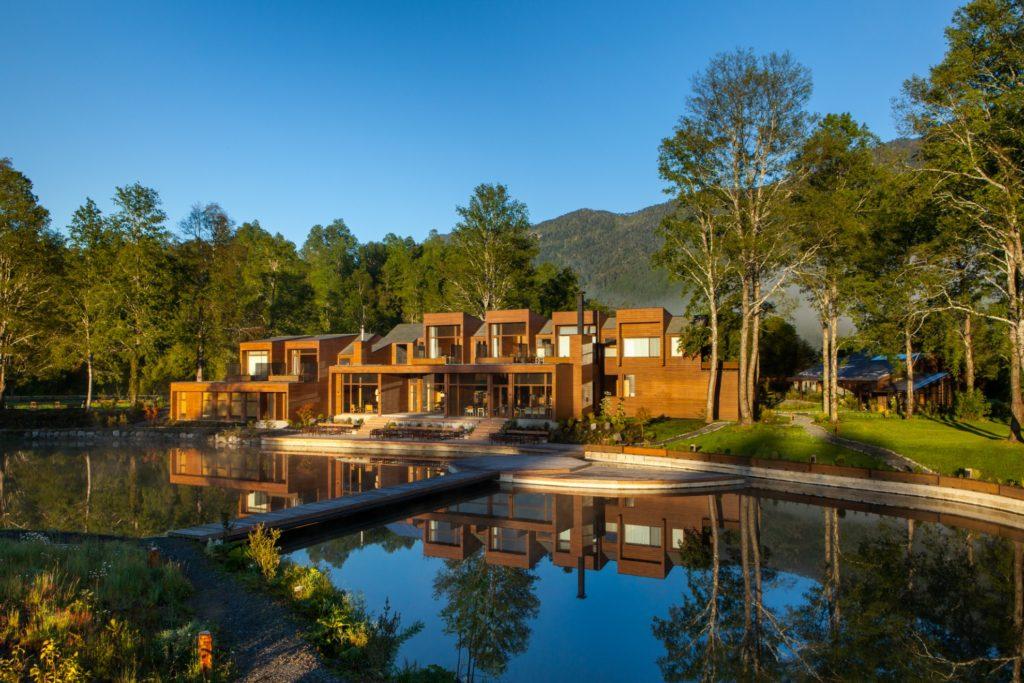 Chile - Lake District -1560 - andBeyond Vira Vira Front of hotel