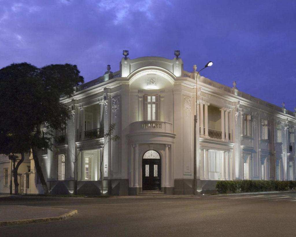 Peru - Lima - 1559 - Hotel B Main entrance