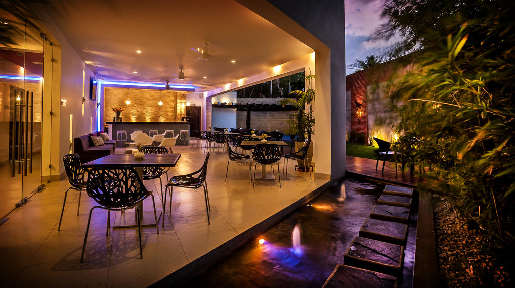 Nicaragua- Managua- 10024- Elements Hotel - Lounge and Gardens