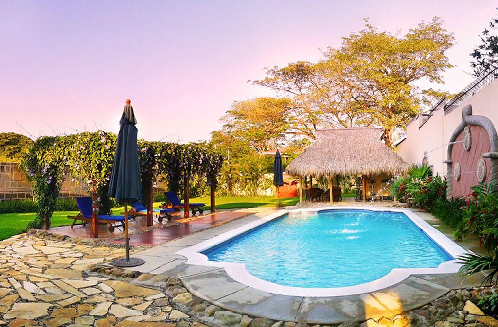 Nicaragua- Managua- 10024- Los Robles Swimming Pool