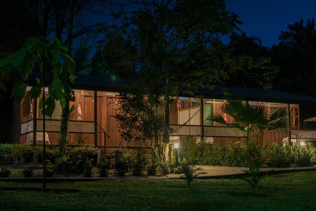 Costa Rica - Tortuguero - 10024 - Mawamba Lodge at night