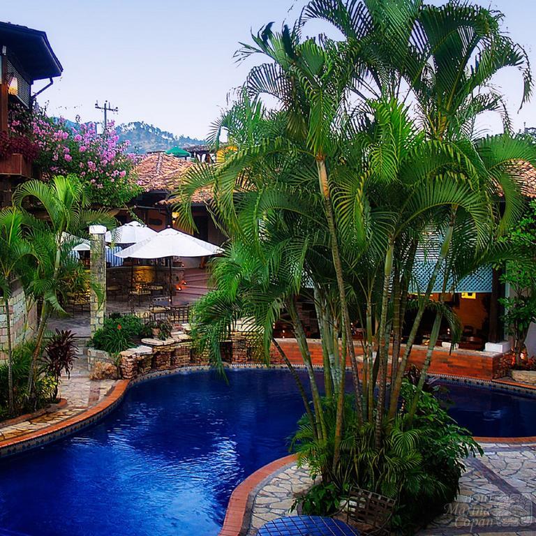 Honduras - Copan Ruinas - 10024 - Marina Copan Pool and Gardens