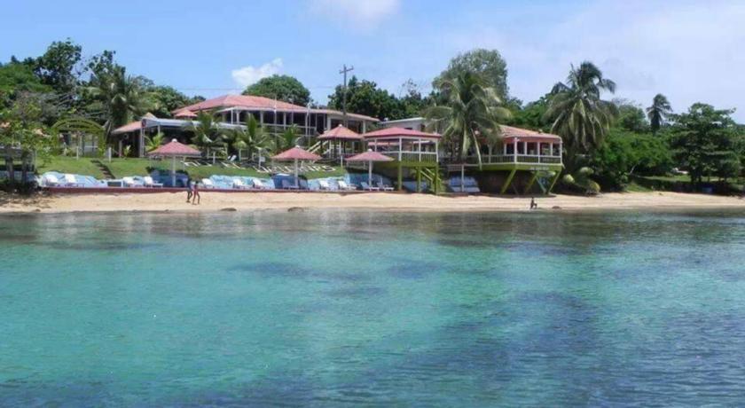 Nicaragua- Little Corn Island- 10024- Los Delfines Beach front