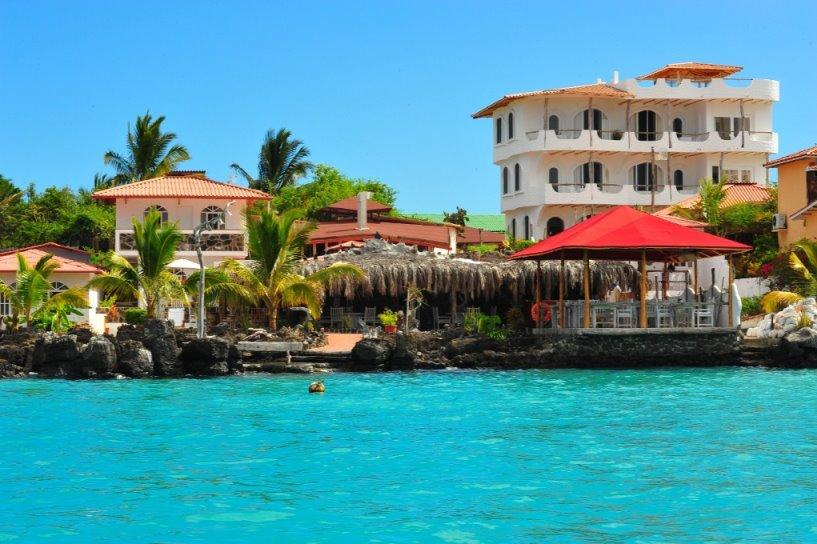 Ecuador - Galapagos - 1557 - Angermeyer Waterfront Inn Seafront