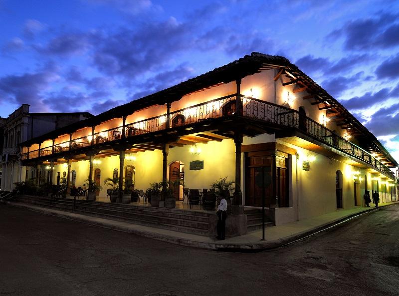 Nicaragua- Granada- 10024- Plaza Colon Hotel Exterior