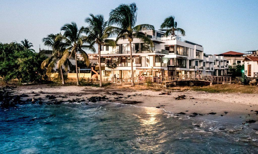 Ecuador - Galapagos - 1557 - Golden Bay Hotel Seafront Exterior