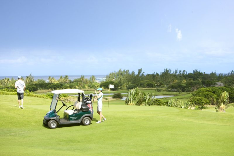 Mauritius - South Coast - 3996 - Heritage Telfair Resort & Spa - Golf Club - Buggy on the fairway