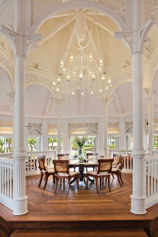 Mauritius - South Coast - 3996 - Heritage Telfair Resort & Spa - Annabella Restaurant - Reception - Raised dining area