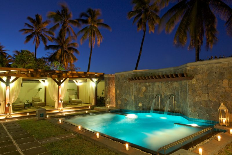 Mauritius - South Coast - 3996 - Heritage Telfair Resort & Spa - Wellness Millesime Collection Vitality Pool at night
