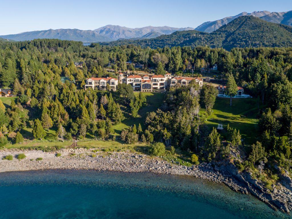Argentina - Lakes District - Bariloche - 1584 - Villa Beluno Mountain Views