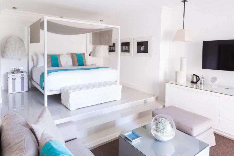 Mauritius - East Coast - 3996 - LUX* Belle Mare Resort & Villas - Honeymoon Suite & LUX* Suite - Bedroom and lounge