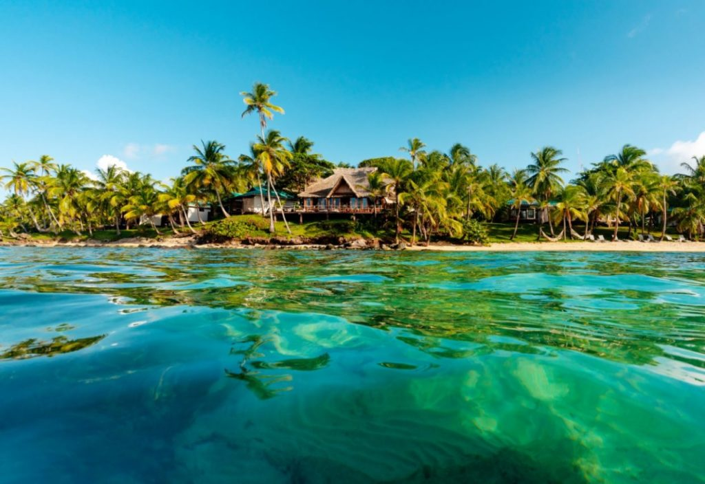 Nicaragua- Little Corn Island- 10024- Hotel Yemaya Island Beach front