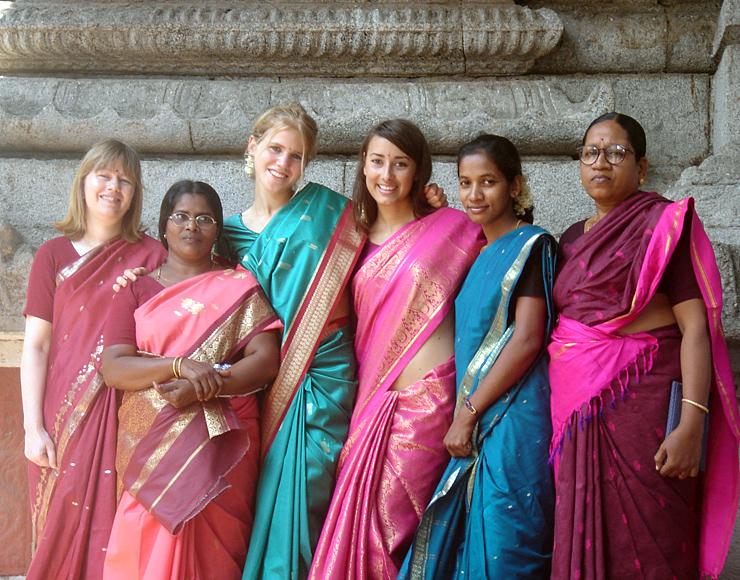 Volunteers in India Dress